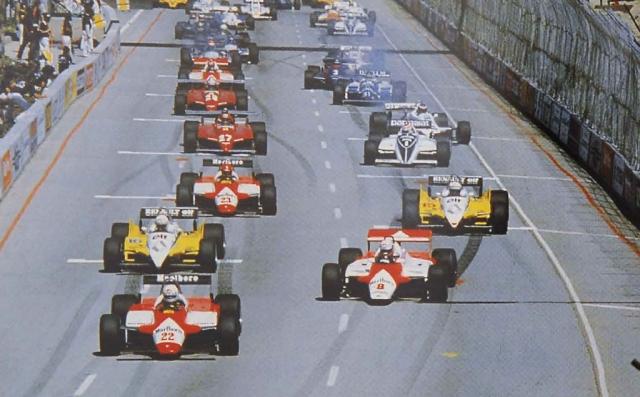 Momento histórico: De Cesaris sai na pole na Fórmula 1. Há 30 anos...