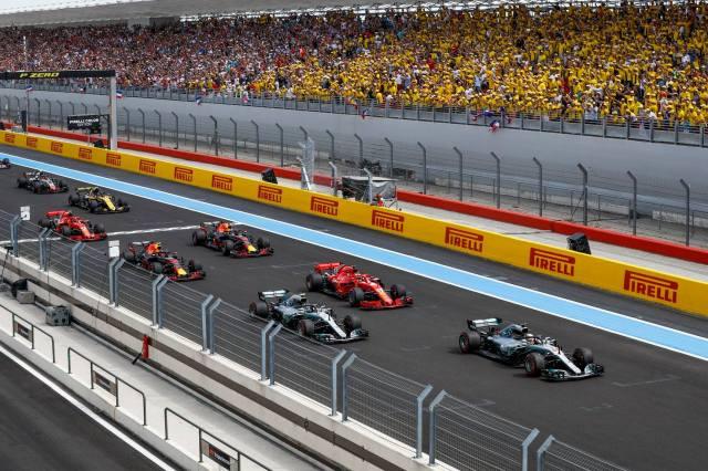 Largada do GP da França de 2018, em Paul Ricard: toque entre Vettel e Bottas colocou Magnussen em quinto